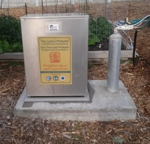 June 2014 Gateway Garden Water Box
