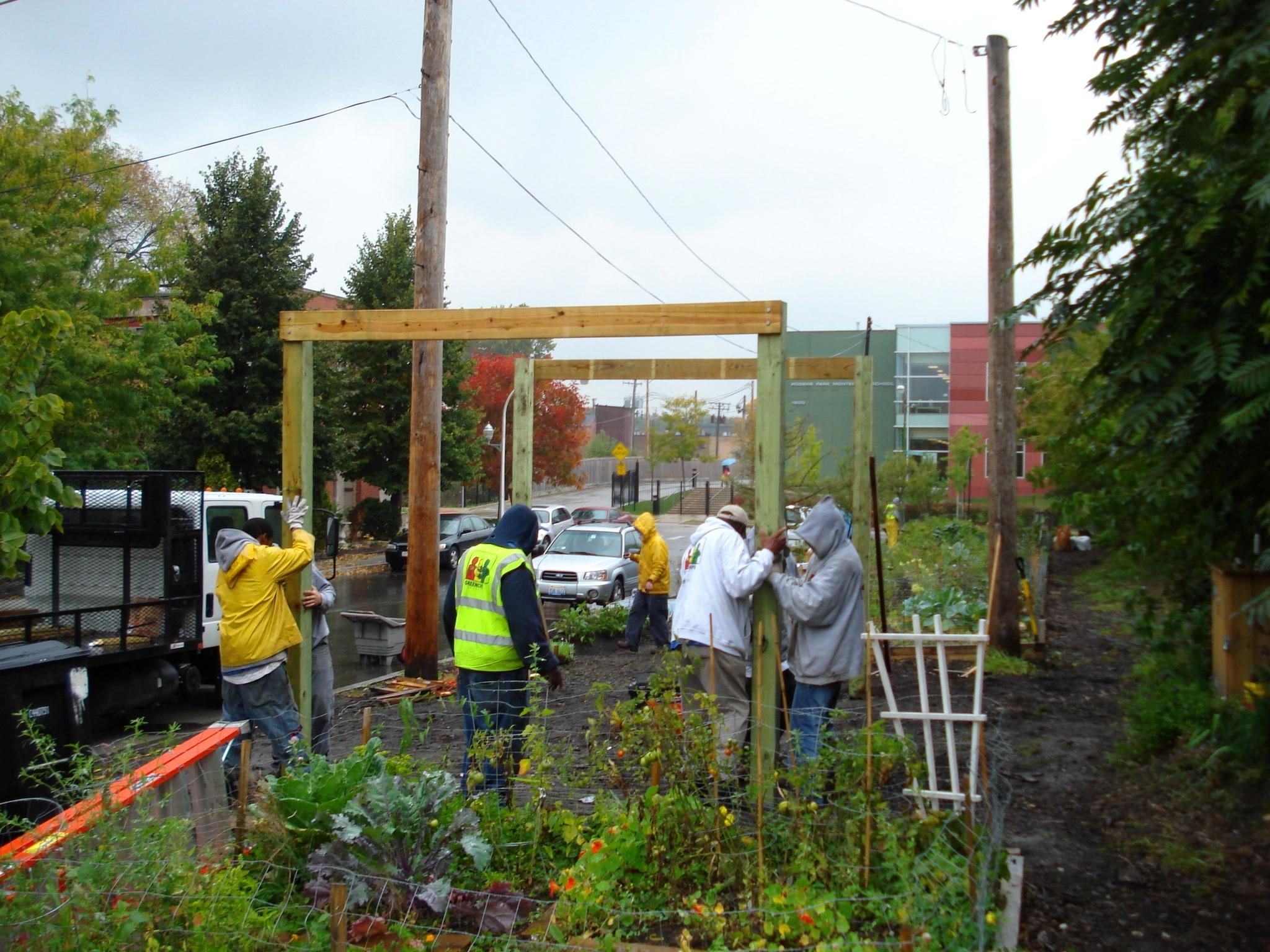 Bowmanville community organization vegetable gardens for Garden gateway