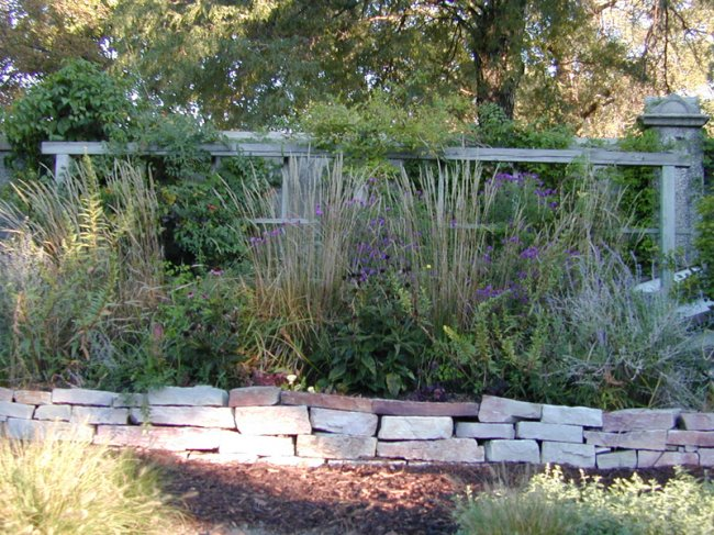 front_and_center-bville-garden